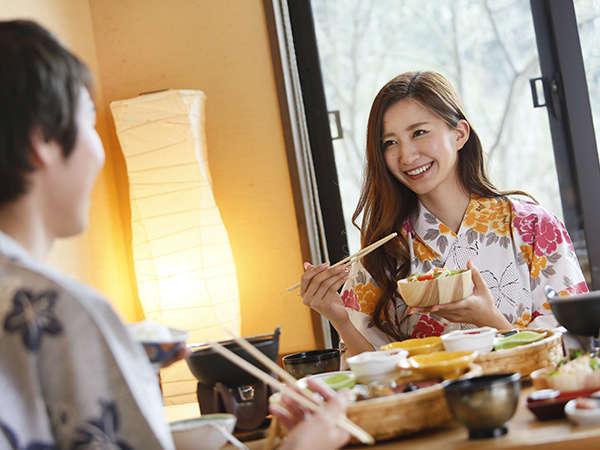 お食事処/夕食、朝食共にお食事処でごゆっくりどうぞ・・・。