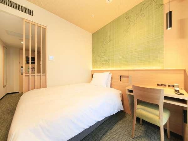 【シングル・ダブルルーム】16.8㎡ シモンズ社製ベッド幅140cm 「桜」+「格子」がモチーフ