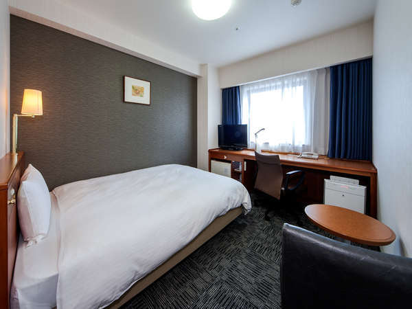 スタンダードダブルルーム/広さ18平米/ベッド幅140cm