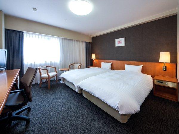 ツインルーム /広さ27平米/ベッド幅110cm