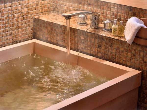 浴室一例でございます。檜の香りをお楽しみ下さい。