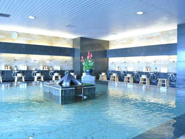 【大浴場】屋内型ながらオーシャンビューの眺望をお楽しみ頂けます。
