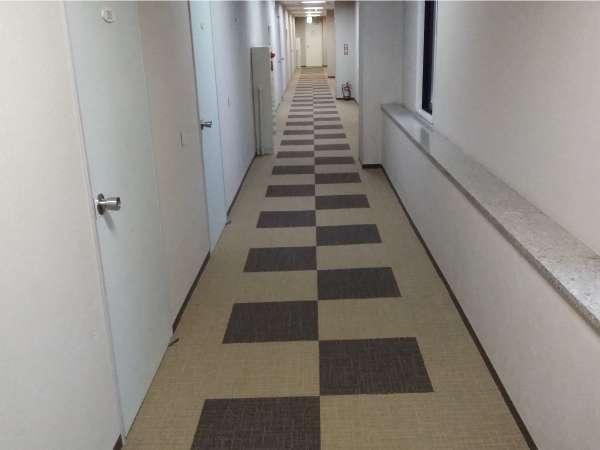 客室階廊下(2階)のカーペットをリニューアルしました!