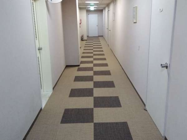 客室階廊下(3階)のカーペットをリニューアルしました!