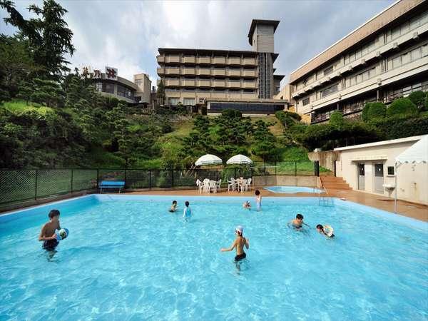 屋外プール(夏季のみ)宿泊者は無料でご利用いただけます。
