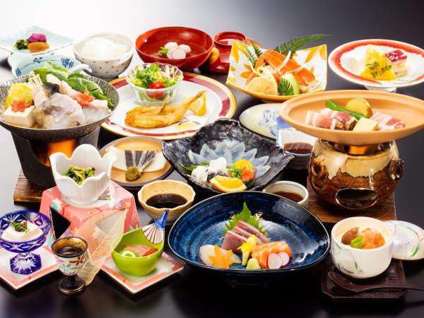 ≪10月~3月≫ずわい蟹にふぐ、むつみ豚などデザートまで美味しさいっぱいの「花衣会席」