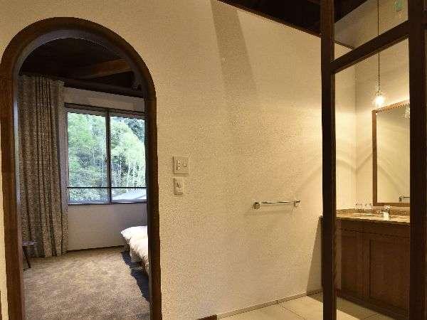 空気の浄化作用があると言われているホタテの漆喰を使用いたしました