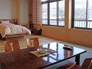 *【和洋室20畳】和の寛ぎと洋の利便性を兼ね備えた和洋客室