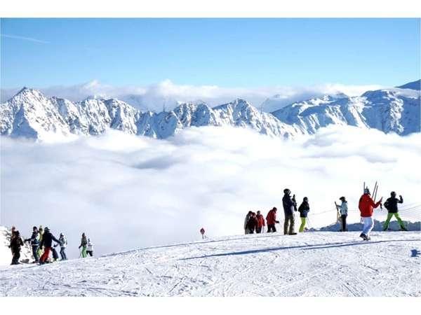 当館から僅かお車3分で、この絶景スキー場へ行けちゃいます(*'▽')