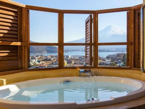 ≪ローズ客室≫絶景富士山を望む露天風呂付※シャワーブースはございません。