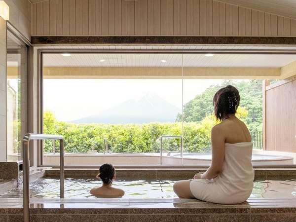 【女性大浴場】泉質はカルシウム・ナトリウム・硫酸塩泉。