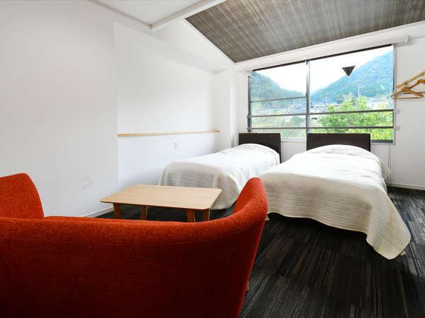 【扇屋旅館】ハンモック付きのお部屋や大画面プロジェクタ―付き客室が人気