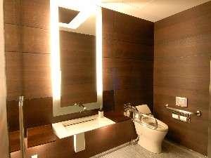 ロビー内トイレ~お客様からもご好評いただいております。