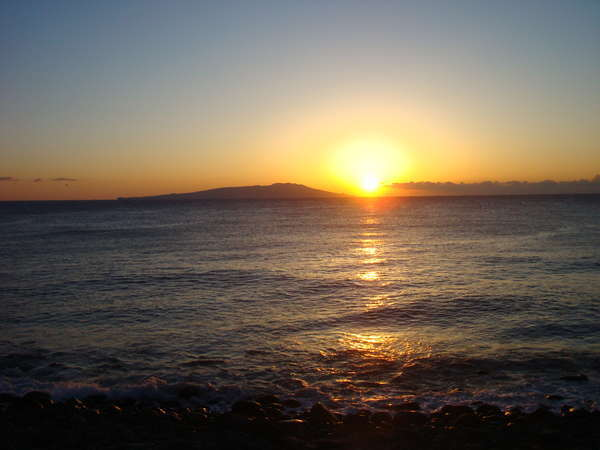 美しい朝日 宿の前で撮影