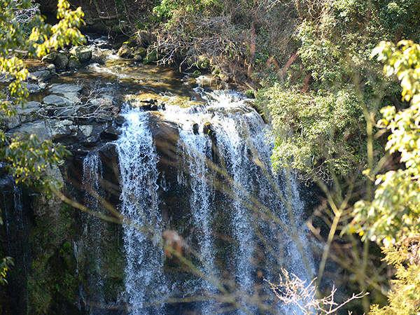 落差20メートルの名瀑『桜滝』