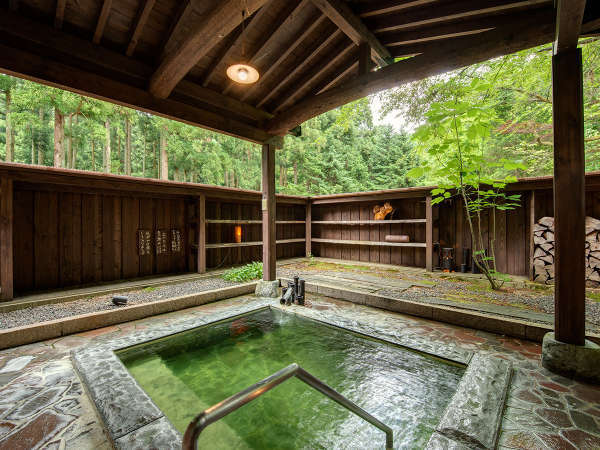 【咲花温泉 一水荘】貴重なエメラルドの温泉は効能高い美肌の湯。貸切露天は1回無料♪