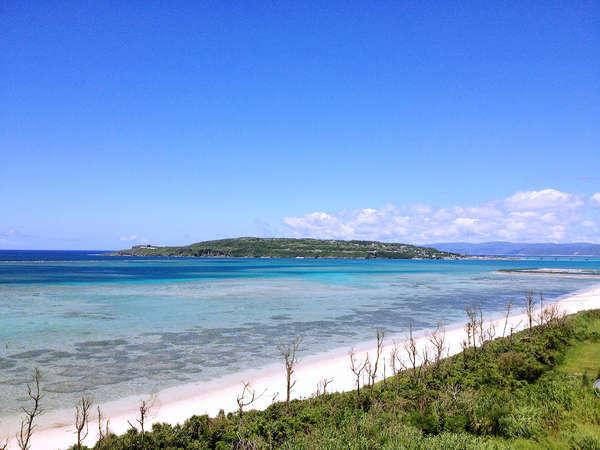古宇利島とウッパマビーチ沖の海が一望