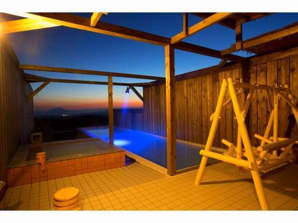 ◆源泉掛け流し◆貸切風呂(一例)夕景~夜景 プール付きの貸切風呂でお二人だけのお時間をお楽しみ下さい♪