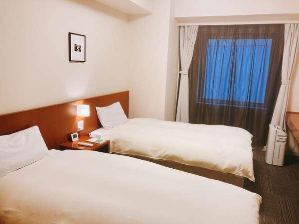 ツインルーム 22平米 ベッドサイズ100cm×195cm シャワーブース