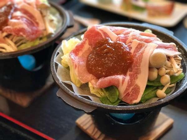 夕食メイン・とちぎゆめポークの味噌陶板焼き