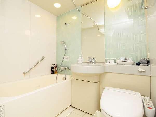 シングル・スタンダードダブル・コーナーダブルルームのバスルームです。