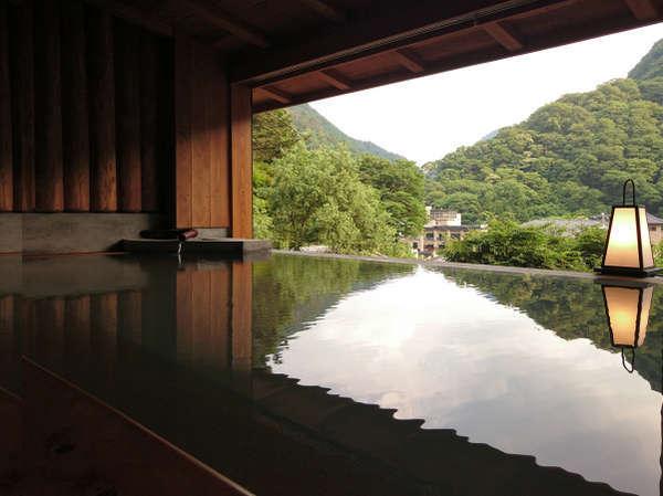 2017年7月15日 東山温泉郷を望む<新>半露天風呂がOPEN!