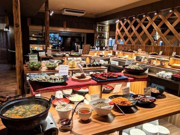 【夕食】創作会津郷土料理ビュッフェ。和食を中心としたビュッフェです。