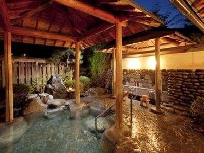飛騨川の四季をお楽しみいただける露天風呂です