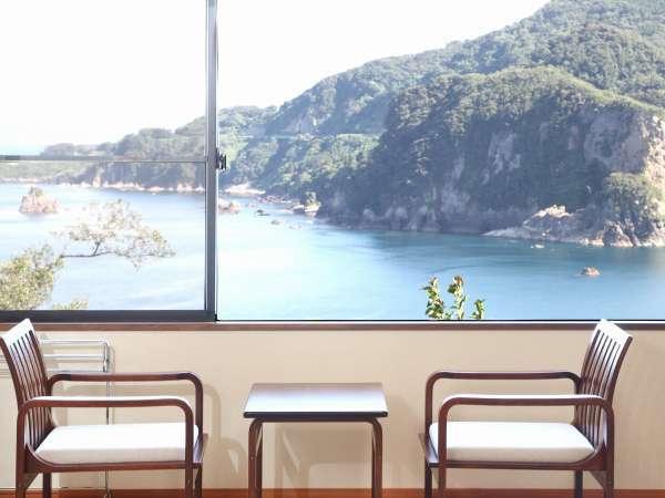 清潔感のある静かな和室♪海側のお部屋からは日本海と朝日一望!