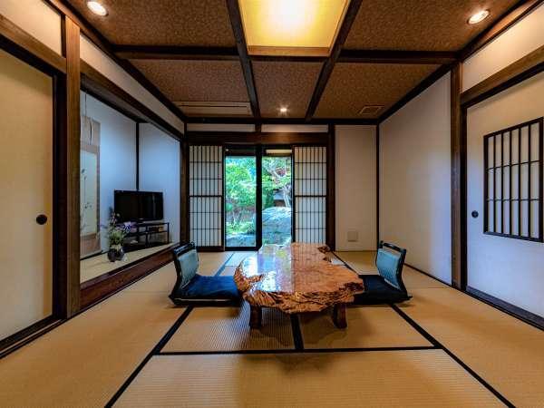 【別邸:隠居の間】庭園が望める別邸最上級グレードの雰囲気の良いお部屋です。