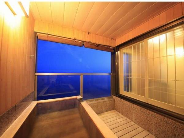 全室海側の客室露天風呂では波の音を聞きながら温泉をお楽しみいただけます。