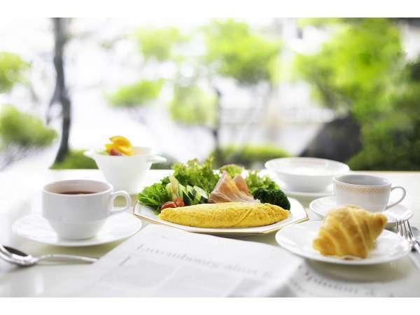 レストランの朝食風景