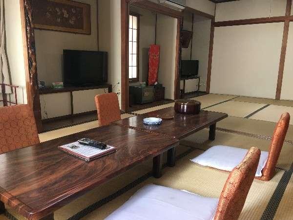 お子様連れに好評な客室「松竹の間」16畳和室。5名様以上の利用の場合ご利用いただけます。