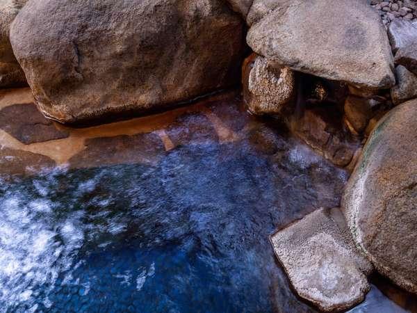 露天風呂付きの浴場「夢の湯」女性16:00~22:00/男性22:00~翌10:00