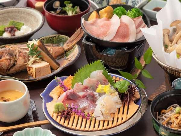 当館のスタンダード会席の一例です。出雲・松江の旬の食材をお召し上がりください♪