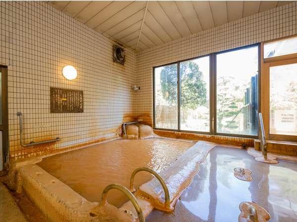 【花山温泉 薬師の湯】関西最強の炭酸温泉濁り湯で、独自の温冷入浴が楽しめる天然温泉宿