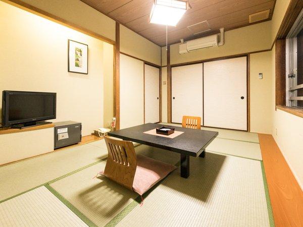 【和室8畳】和室8畳はバス・トイレ付です。お部屋でのんびりしたい方に。