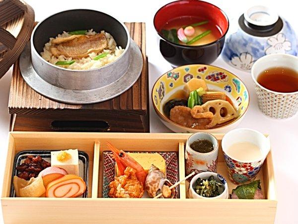 【朝食】 加賀野菜やじわもん(地のもの)を使用した「北陸づくし 釜めし御膳」