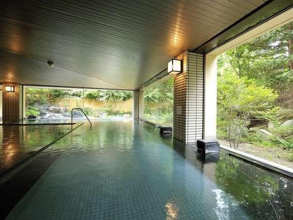 開放感のある広々とした大浴場です。