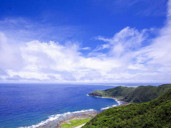*【比屋定バンタ】ハテの浜、粟国、慶良間等を一望できる名勝地(当館から車で11分)