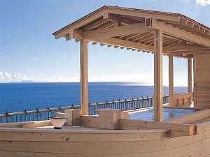 船の形をした当館シンボルの屋上貸切露天風呂です。ご予約はフロントまで(有料です)