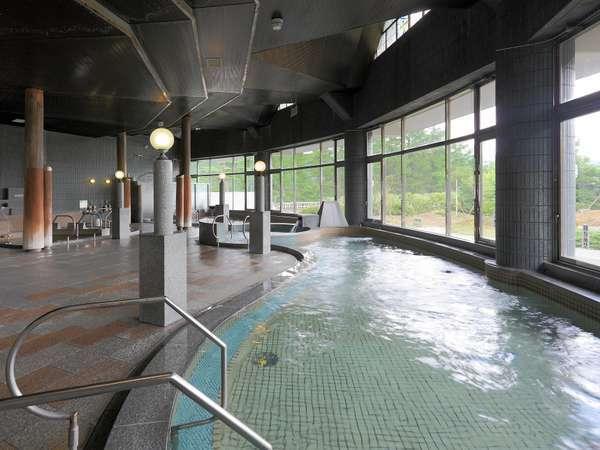 大浴場男湯「低・中・高温湯、ジャグジーバス、バイブラーバス」