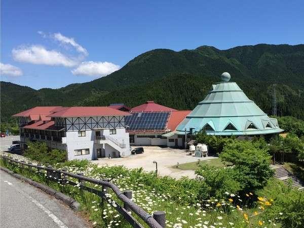 岡山県の県北に位置し標高650mにある新見千屋温泉いぶきの里