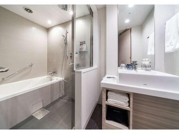 スタンダードルームを除く全てのお部屋が、使い勝手の良いセパレートタイプ。
