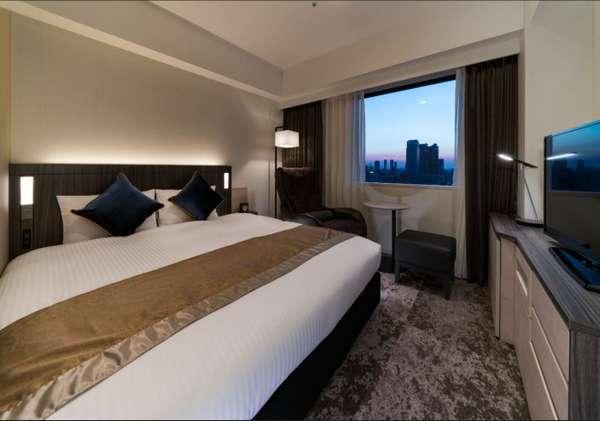 デラックスダブル。ベッド幅はゆったり168cm!2名様でも快適にお過ごしいただけます。
