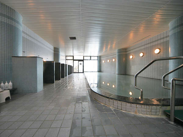 隣接するウイングタワー館の温泉大浴場も無料でご利用いただけます。