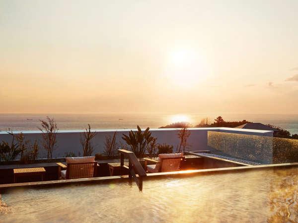 「空」WEST大浴場の露天風呂からは太平洋のインフィニティービューが広がります