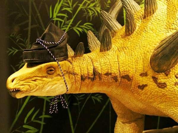 フロントでは恐竜がお出迎え♪