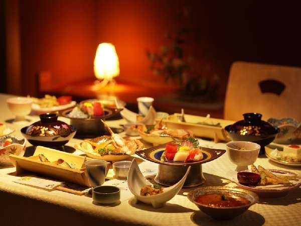 雰囲気のよい個室で夕食をお楽しみ下さい。
