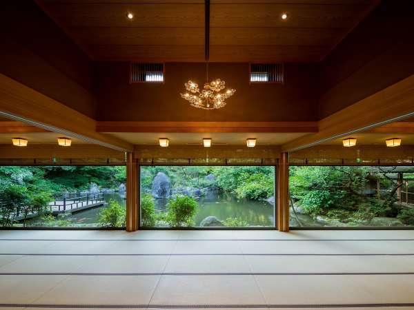 【秋月温泉 料亭旅館 清流庵】山の麓の全六室の隠れ宿。全室内風呂付き